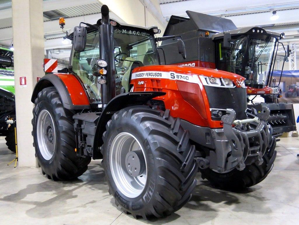 Компания Massey Ferguson презентовала новейшую модель экологического трактора 8740 S с обновленным двигателем